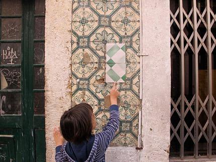 Azulejos Portugueses e Azulejos de Papel do Poro