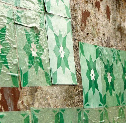 Azulejos de papel - Intervenção urbana do Grupo Poro