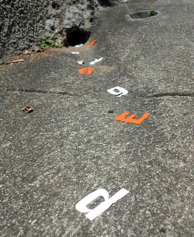 Enxurrada de letras (Coletivo Poro) - Poesia Visual nas ruas da cidade do Rio de Janeiro