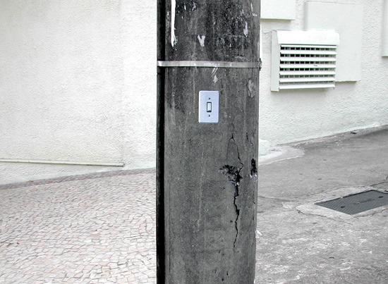 Intervenção urbana Interruptores para poste de luz do Grupo Poro