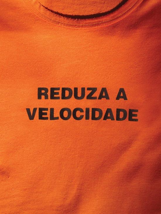 Camiseta Reduza a velocidade (Grupo Poro)