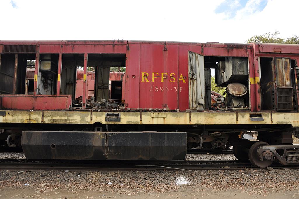 Vagão de antigo trem RFFSA Minas Gerais