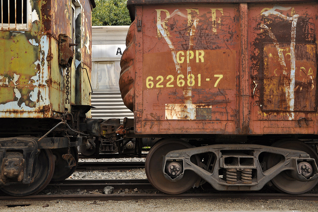 Detalhe de vagões de trem em MG (Poro)