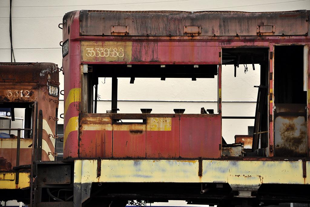 Antigo vagão de trem abandonado - Minas Gerais (Coletivo Poro)